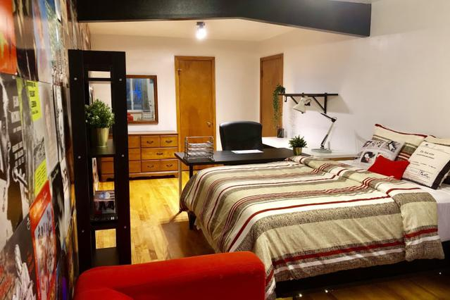 Incredible Apartments In Montreal Furnished Rentals Rooms Nestpick Download Free Architecture Designs Estepponolmadebymaigaardcom